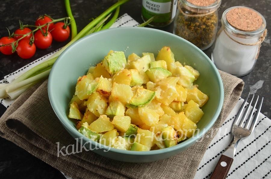 Картофель с кабачками в сметане