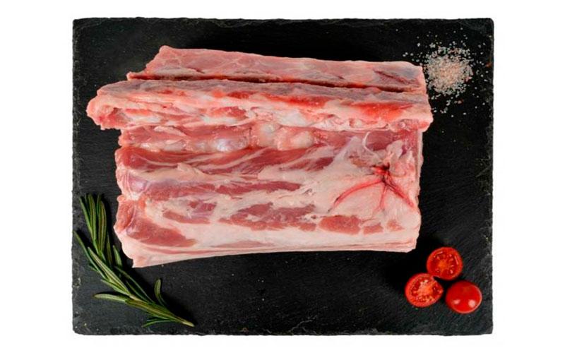 Лопатка свиная охлажденная в шкуре на кости АШАН Зеленая Птица